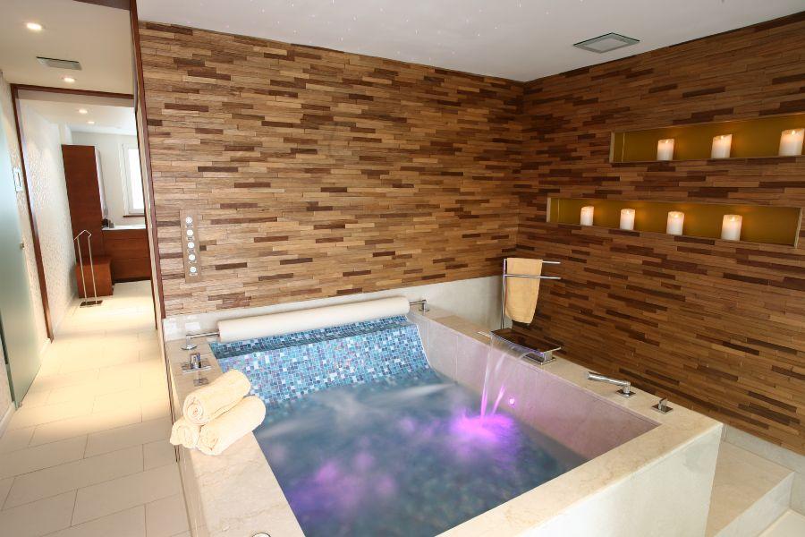 traumbad nach mass bad wellness lichtenfels. Black Bedroom Furniture Sets. Home Design Ideas